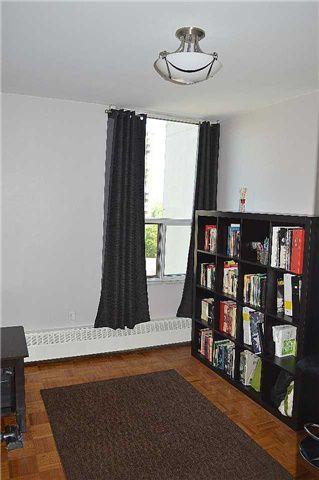 Photo 10: 609 15 Vicora Linkway Way in Toronto: Flemingdon Park Condo for sale (Toronto C11)  : MLS®# C3503897