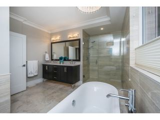 Photo 16: 15271 COLUMBIA Avenue: White Rock House for sale (South Surrey White Rock)  : MLS®# R2073081