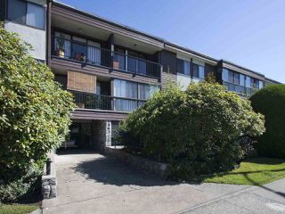 """Photo 2: 113 3787 W 4TH Avenue in Vancouver: Point Grey Condo for sale in """"Andrea Apartments"""" (Vancouver West)  : MLS®# R2085313"""