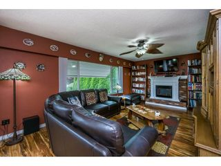 "Photo 4: 10448 GLASGOW Street in Chilliwack: Fairfield Island House for sale in ""FAIRFIELD ISLAND"" : MLS®# R2090504"