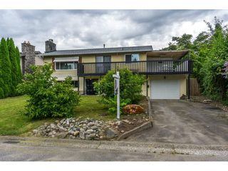 "Photo 1: 10448 GLASGOW Street in Chilliwack: Fairfield Island House for sale in ""FAIRFIELD ISLAND"" : MLS®# R2090504"