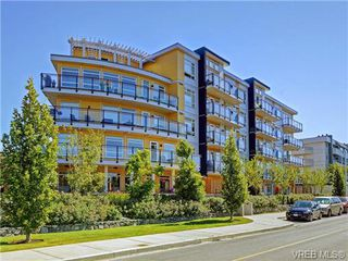 Photo 3: 401 935 Cloverdale Ave in VICTORIA: SE Quadra Condo Apartment for sale (Saanich East)  : MLS®# 738034