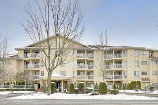"Photo 2: 210 13727 74 Avenue in Surrey: East Newton Condo for sale in ""Kings Court"" : MLS®# R2128892"