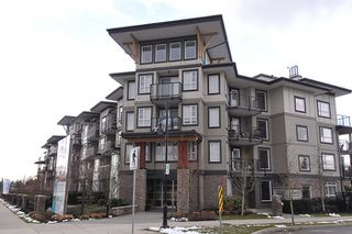 "Photo 1: 305 12075 EDGE Street in Maple Ridge: East Central Condo for sale in ""EDGE ON EDGE"" : MLS®# R2144452"
