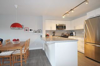 "Photo 6: 305 12075 EDGE Street in Maple Ridge: East Central Condo for sale in ""EDGE ON EDGE"" : MLS®# R2144452"
