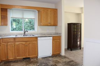 Photo 3: 40 ROBERTSON Crescent in Hope: Hope Center House for sale : MLS®# R2155902