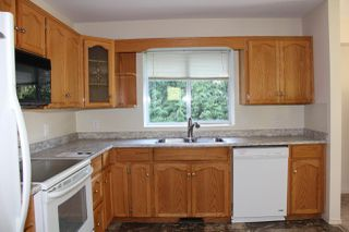 Photo 2: 40 ROBERTSON Crescent in Hope: Hope Center House for sale : MLS®# R2155902