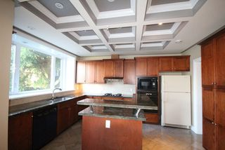 Photo 4: 1685 E 60TH Avenue in Vancouver: Fraserview VE House for sale (Vancouver East)  : MLS®# R2171347