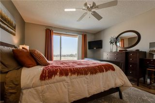 Photo 17: 97 STRATHEARN Gardens SW in Calgary: Strathcona Park House for sale : MLS®# C4121195