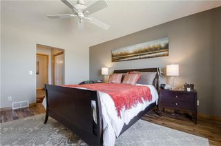 Photo 18: 97 STRATHEARN Gardens SW in Calgary: Strathcona Park House for sale : MLS®# C4121195