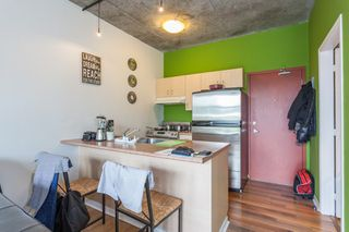"Photo 5: 303 22 E CORDOVA Street in Vancouver: Downtown VE Condo for sale in ""Van Horne"" (Vancouver East)  : MLS®# R2191464"