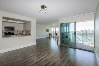 """Photo 6: 2302 1188 QUEBEC Street in Vancouver: Mount Pleasant VE Condo for sale in """"CityGate One"""" (Vancouver East)  : MLS®# R2207829"""