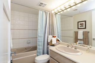 """Photo 17: 2302 1188 QUEBEC Street in Vancouver: Mount Pleasant VE Condo for sale in """"CityGate One"""" (Vancouver East)  : MLS®# R2207829"""