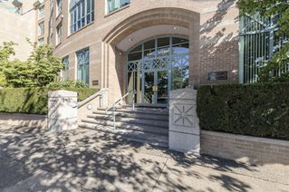 """Photo 2: 2302 1188 QUEBEC Street in Vancouver: Mount Pleasant VE Condo for sale in """"CityGate One"""" (Vancouver East)  : MLS®# R2207829"""
