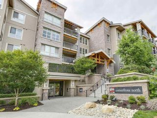 Photo 1: 304 5655 210A STREET in Langley: Salmon River Condo for sale : MLS®# R2204485