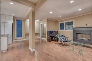 """Photo 3: 1119 HERITAGE Boulevard in North Vancouver: Seymour NV Townhouse for sale in """"HERITAGE IN THE WOODS"""" : MLS®# R2210880"""