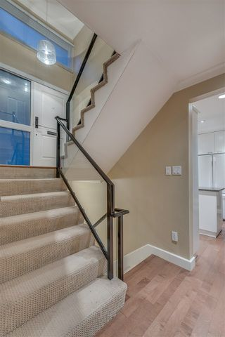 """Photo 2: 1119 HERITAGE Boulevard in North Vancouver: Seymour NV Townhouse for sale in """"HERITAGE IN THE WOODS"""" : MLS®# R2210880"""