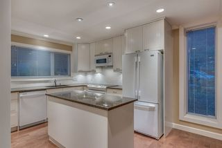 """Photo 4: 1119 HERITAGE Boulevard in North Vancouver: Seymour NV Townhouse for sale in """"HERITAGE IN THE WOODS"""" : MLS®# R2210880"""