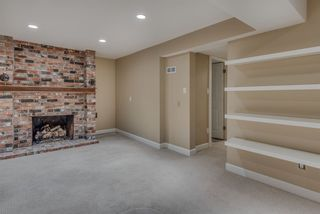 """Photo 19: 1119 HERITAGE Boulevard in North Vancouver: Seymour NV Townhouse for sale in """"HERITAGE IN THE WOODS"""" : MLS®# R2210880"""