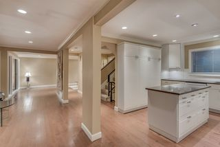 """Photo 5: 1119 HERITAGE Boulevard in North Vancouver: Seymour NV Townhouse for sale in """"HERITAGE IN THE WOODS"""" : MLS®# R2210880"""