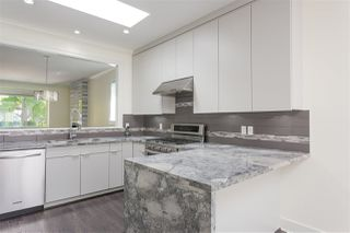 Photo 2: 3816 PARKER Street in Burnaby: Willingdon Heights House for sale (Burnaby North)  : MLS®# R2212262