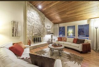 Photo 2: 763 Weymouth Drive in North Vancouver: Lynn Valley House for sale : MLS®# R220735