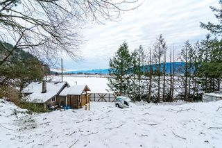Photo 30: 4077 LAKEMOUNT Road in Abbotsford: Sumas Mountain House for sale : MLS®# R2229779