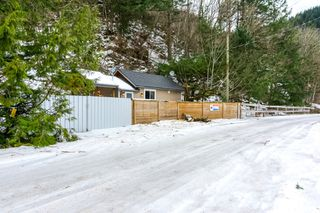 Photo 40: 4077 LAKEMOUNT Road in Abbotsford: Sumas Mountain House for sale : MLS®# R2229779