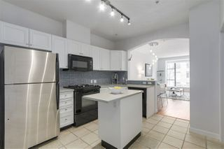 "Photo 2: 210 2175 SALAL Drive in Vancouver: Kitsilano Condo for sale in ""SAVONA"" (Vancouver West)  : MLS®# R2258755"