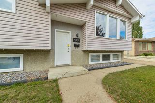 Photo 2: 459 Huffman Crescent in Edmonton: Zone 35 House for sale : MLS®# E4129957