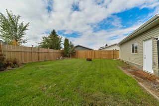 Photo 5: 459 Huffman Crescent in Edmonton: Zone 35 House for sale : MLS®# E4129957