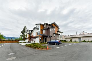 "Photo 2: 24 46570 MACKEN Avenue in Chilliwack: Chilliwack N Yale-Well Townhouse for sale in ""Parkside Place"" : MLS®# R2318038"