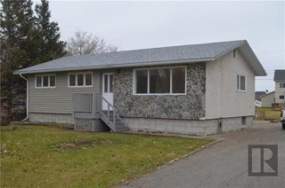 Photo 2: 651 Jaffray Street: Dugald Residential for sale (R04)  : MLS®# 1829690