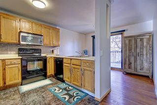 Photo 10: 7 PINEBROOK Place NE in Calgary: Pineridge Detached for sale : MLS®# C4221689