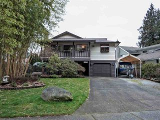 Main Photo: 20464 90 Crescent in Langley: Walnut Grove House for sale : MLS®# R2334534