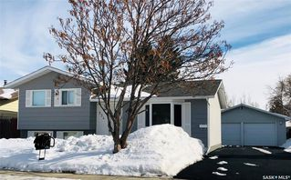Main Photo: 534 Shea Crescent in Saskatoon: Confederation Park Residential for sale : MLS®# SK757869