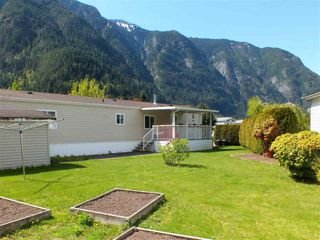 Photo 4: 11 62790 FLOOD HOPE Road in Hope: Hope Silver Creek Manufactured Home for sale : MLS®# R2351212