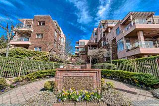"Photo 1: 406 2271 BELLEVUE Avenue in West Vancouver: Dundarave Condo for sale in ""THE ROSEMONT ON BELLEVUE"" : MLS®# R2356609"