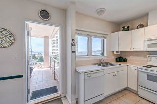 "Photo 5: 406 2271 BELLEVUE Avenue in West Vancouver: Dundarave Condo for sale in ""THE ROSEMONT ON BELLEVUE"" : MLS®# R2356609"