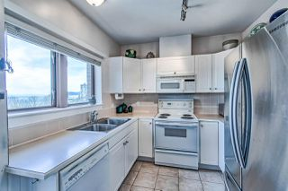 "Photo 6: 406 2271 BELLEVUE Avenue in West Vancouver: Dundarave Condo for sale in ""THE ROSEMONT ON BELLEVUE"" : MLS®# R2356609"