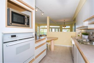 Photo 12: 6357 CHATHAM Street in West Vancouver: Horseshoe Bay WV House 1/2 Duplex for sale : MLS®# R2357117