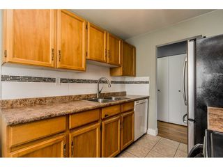 "Photo 9: 213 9952 149 Street in Surrey: Guildford Condo for sale in ""Tall Timbers"" (North Surrey)  : MLS®# R2366920"