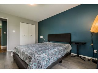 "Photo 12: 213 9952 149 Street in Surrey: Guildford Condo for sale in ""Tall Timbers"" (North Surrey)  : MLS®# R2366920"