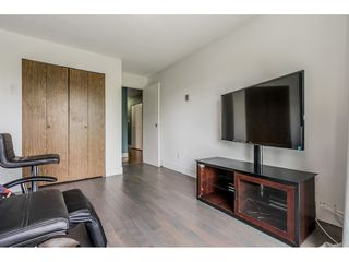 "Photo 15: 213 9952 149 Street in Surrey: Guildford Condo for sale in ""Tall Timbers"" (North Surrey)  : MLS®# R2366920"