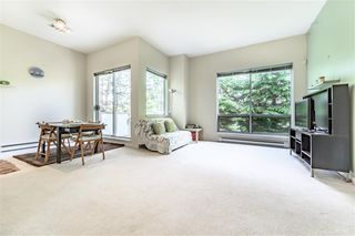 Photo 4: 204 6740 STATION HILL Court in Burnaby: South Slope Townhouse for sale (Burnaby South)  : MLS®# R2369766
