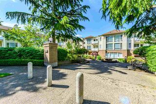 Photo 2: 204 6740 STATION HILL Court in Burnaby: South Slope Townhouse for sale (Burnaby South)  : MLS®# R2369766
