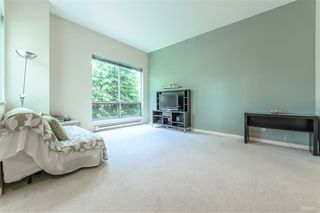 Photo 8: 204 6740 STATION HILL Court in Burnaby: South Slope Townhouse for sale (Burnaby South)  : MLS®# R2369766