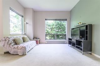 Photo 3: 204 6740 STATION HILL Court in Burnaby: South Slope Townhouse for sale (Burnaby South)  : MLS®# R2369766