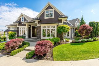 """Photo 1: 35498 MAHOGANY Drive in Abbotsford: Abbotsford East House for sale in """"EAGLE MOUNTAIN"""" : MLS®# R2372658"""