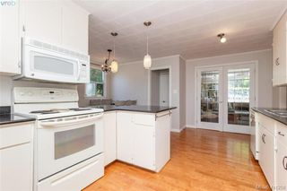 Photo 7: 1098 Lockley Rd in VICTORIA: Es Rockheights House for sale (Esquimalt)  : MLS®# 815280